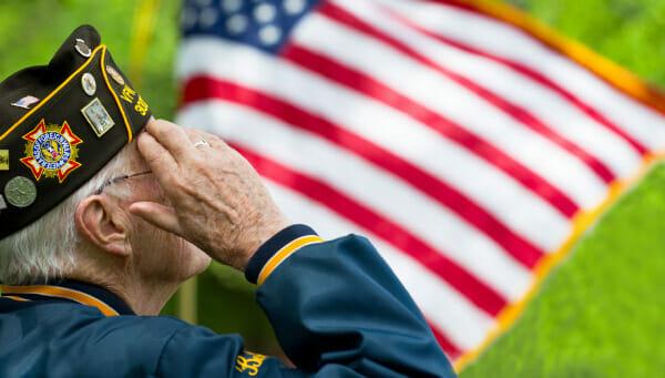 Free Cell Phones for Veterans: Benefits & Lifeline Eligibility